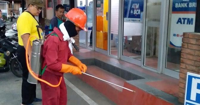 Penyemprotan Disinfektan sebagai Bentuk Antisipasi Penularan COVID19 di Kabupaten Banjarnegara
