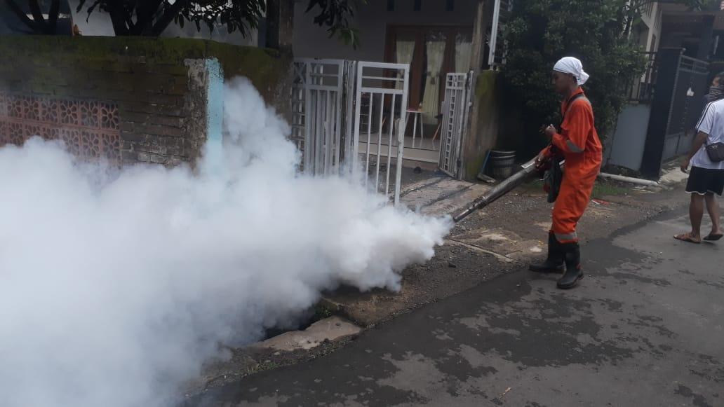 Pelaksananaan Fogging di Keluarahan Argasoka Banjarnegara
